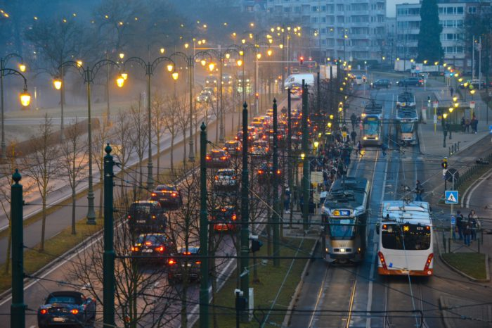 Flemish people don't pay real transportation costs