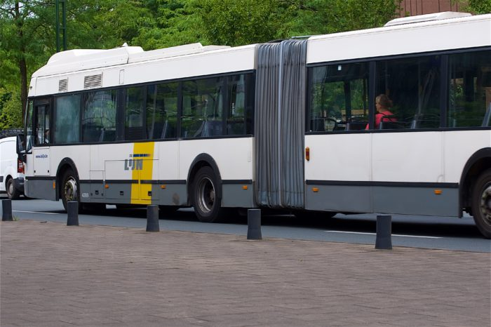 Wave and pay replacing cash at De Lijn in 2019