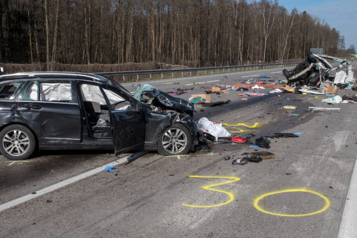 Which car brands have the highest number of accidents?