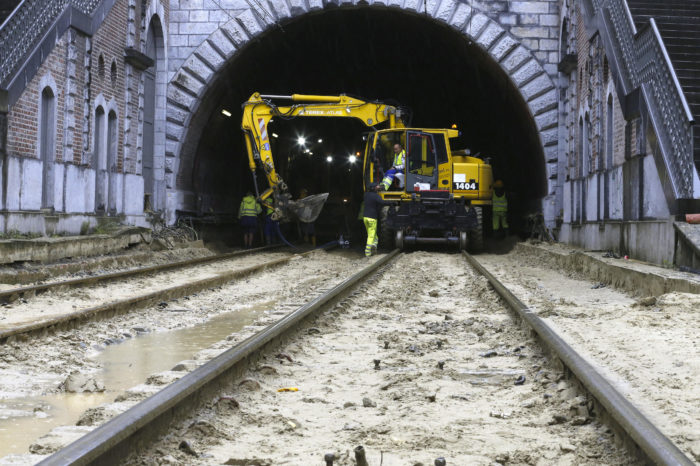 90 trains per day impacted by flooded tunnel in Brussels