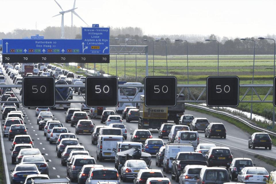 Traffic jams costing Netherlands 3,7 billion per year - newmobility news