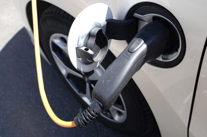 Dutch car market shrinks, electric car sales doubles