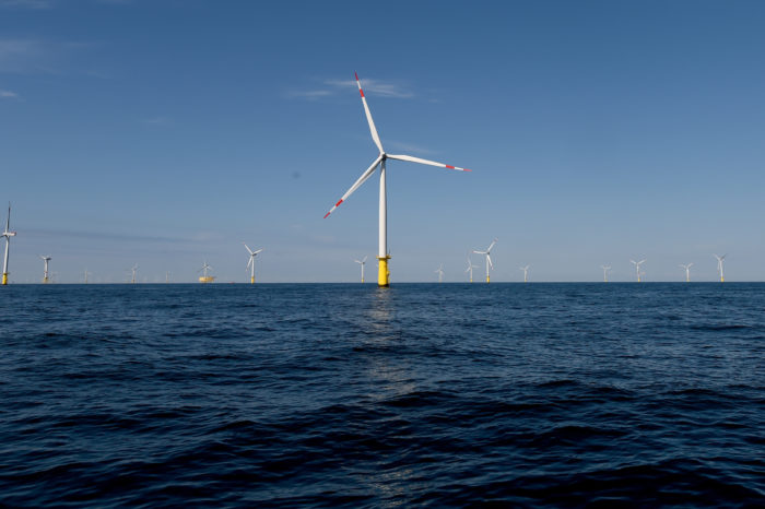 Mid-ocean wind farms could power the entire world