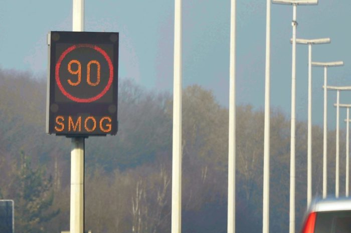 '30 kph in cities, 90 on motorways to improve air quality'
