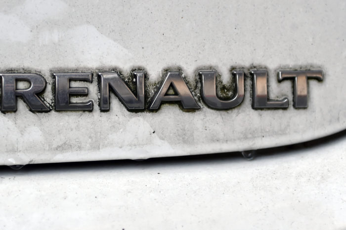 Renault diesel car owners reluctant to update software