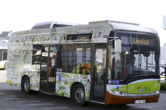 Electric midi-bus testing on new Brussels bus line