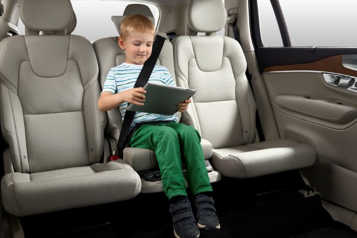 Rear-centre seat: most dangerous place in cars