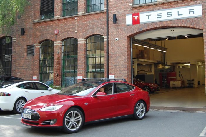 Tesla gears up production but struggles with after-sales service