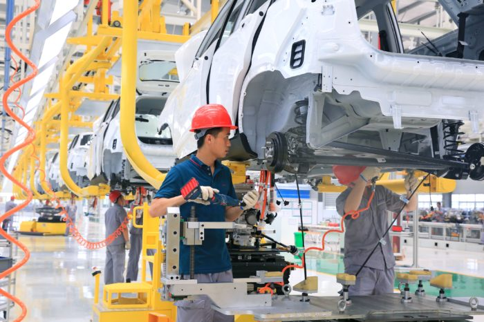 China puts stop to proliferation of new car factories