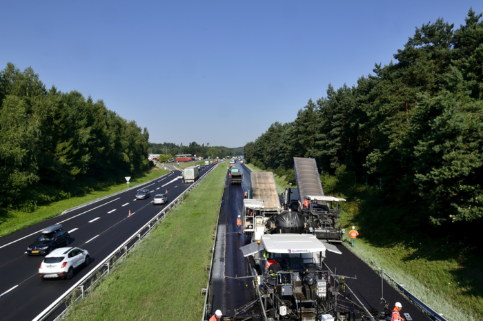 France: first kilometre of 100% recycled motorway