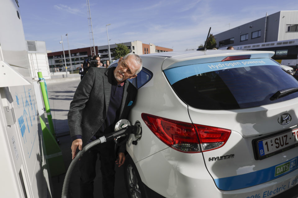 Second public hydrogen fueling station opened near Brussels