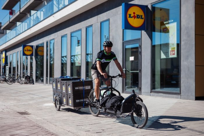 Lidl delivers groceries at home by bike in Ghent