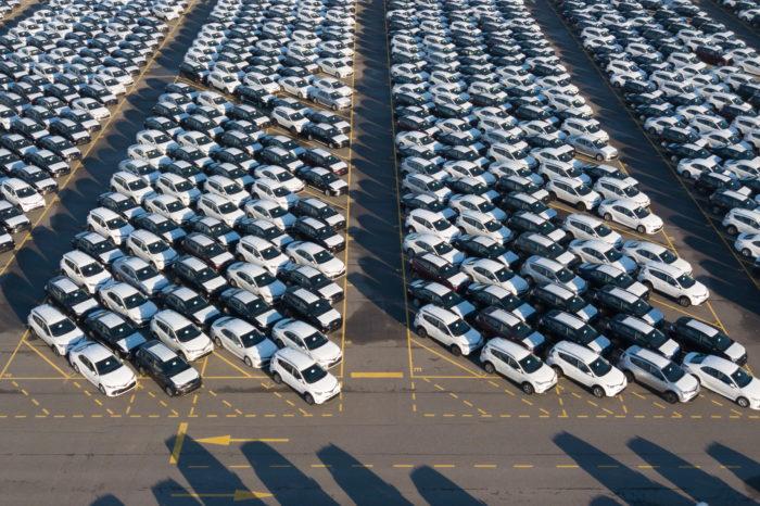 Car industry under serious pressure worldwide