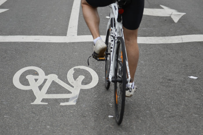 Traffic regulations: impunity for cyclists?