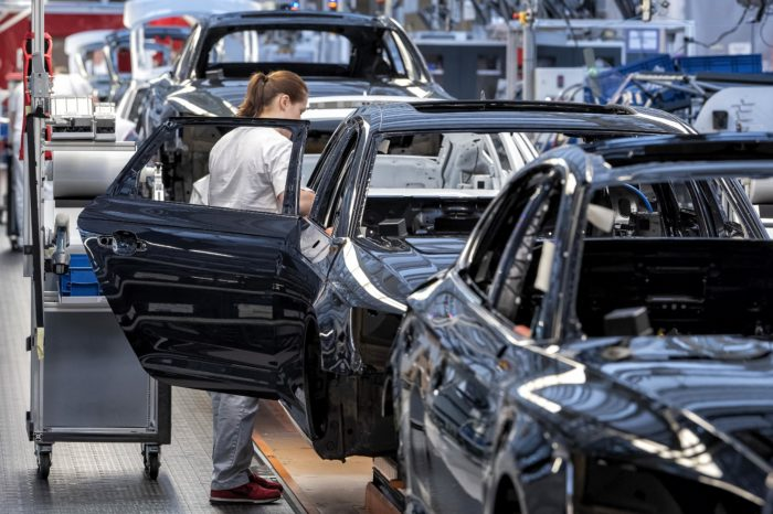 German car industry facing another year of 'bad weather'?