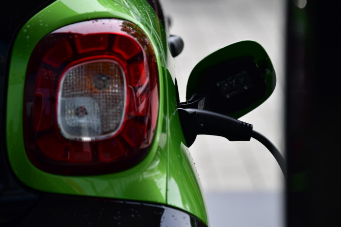 MR study: 'Belgium lacks 7.850 MW to fast charge 10% of car fleet'