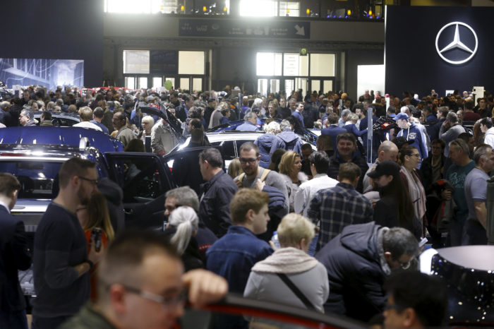 Brussels Motor Show: many visitors, slow sales