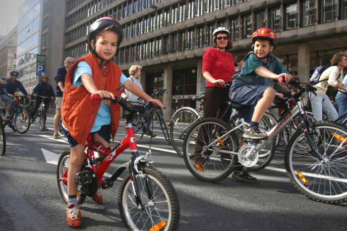 Vias pleads for obligatory helmet for young cyclists