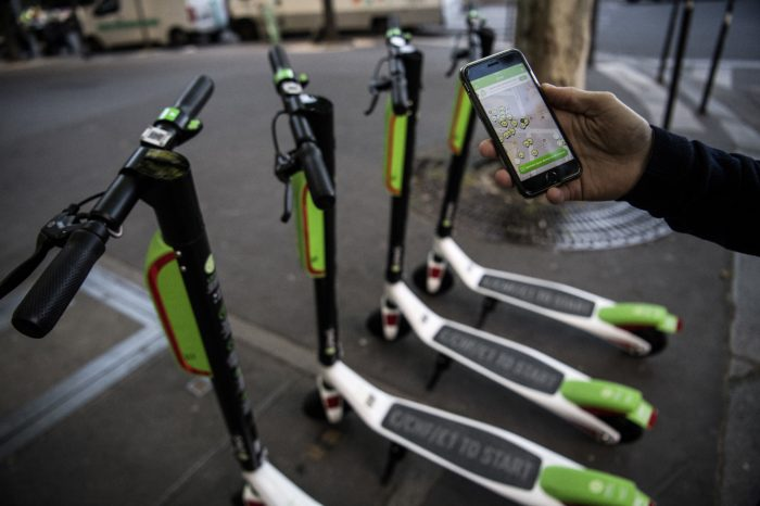Paris to tax free-floating shared mobility services