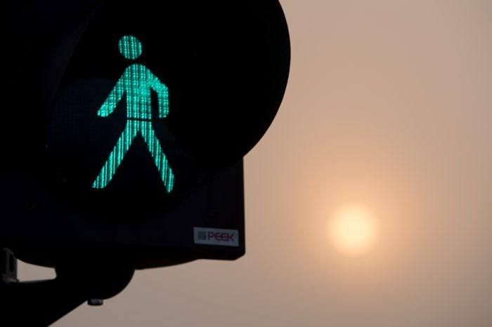 Antwerp lets pedestrians quiz while waiting to cross