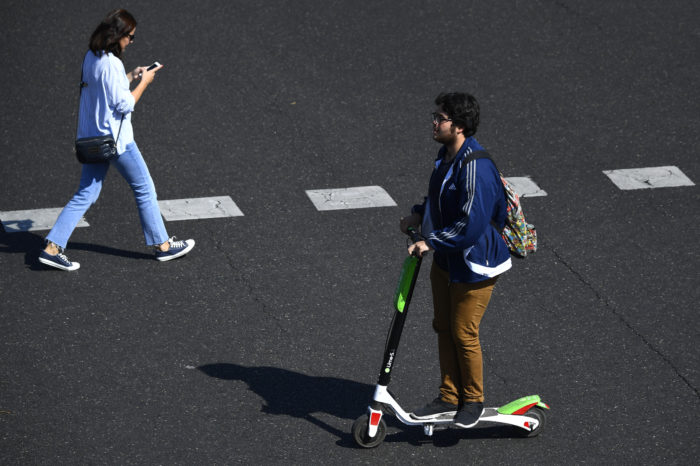 Lime to equip Brussels' e-scooters with 'drunk-detection'