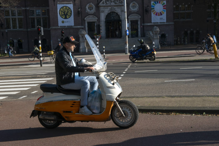 Mopeds in Amsterdam no longer allowed on bicycle path