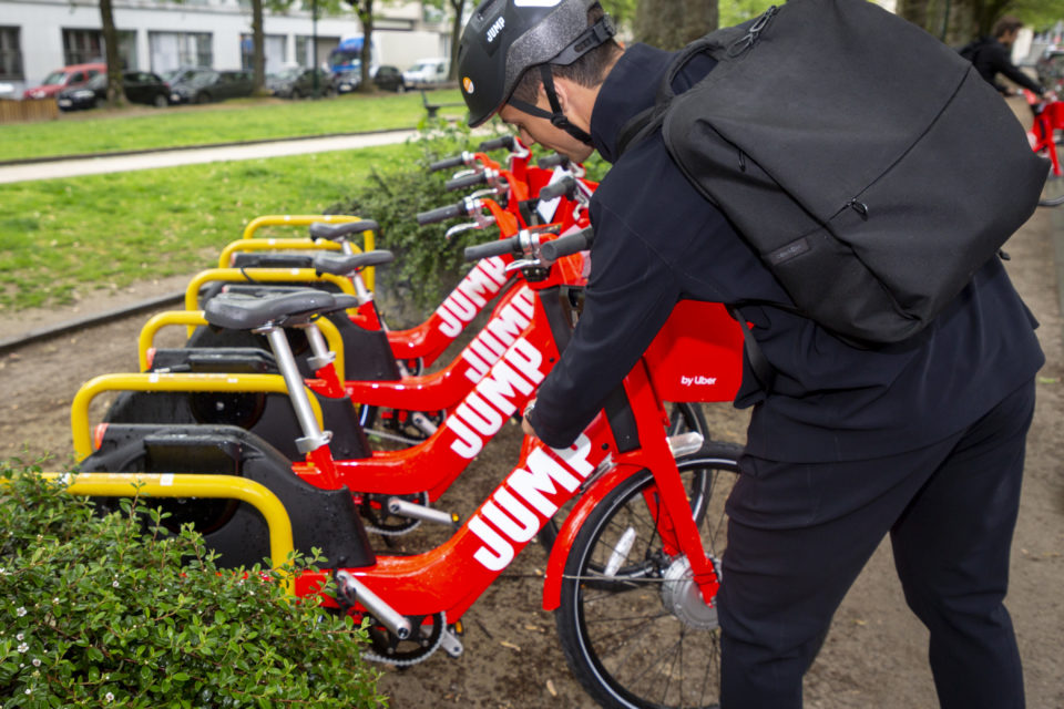 Uber's JUMP e-bikes 'illegal' in Brussels - newmobility news