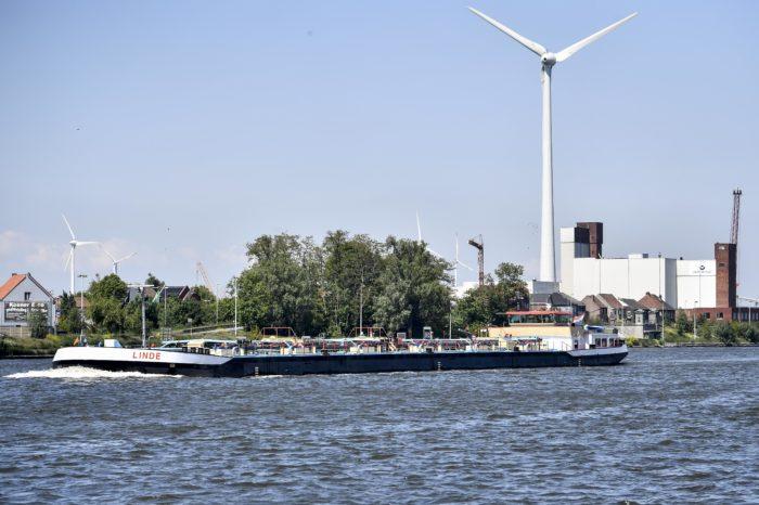 Waterway transport is best alternative to trucks