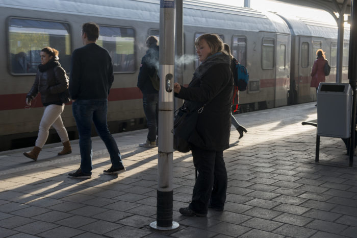 Dutch ProRail wants smoke-free stations