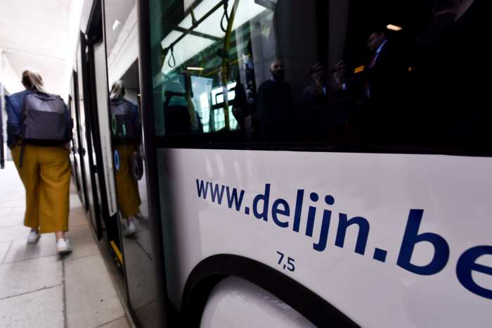 Taxi or call-up bus service: municipality decides, De Lijn pays