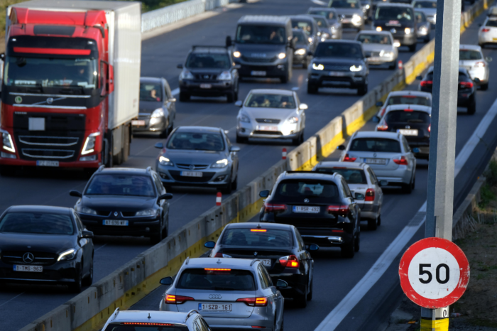 10.000 cars flashed speeding at road works in one week