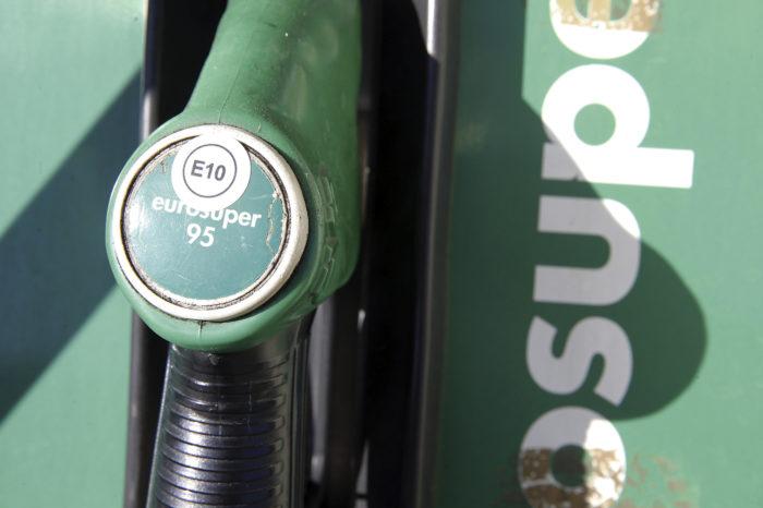 Dutch put 10% bio-ethanol in E10 gasoline
