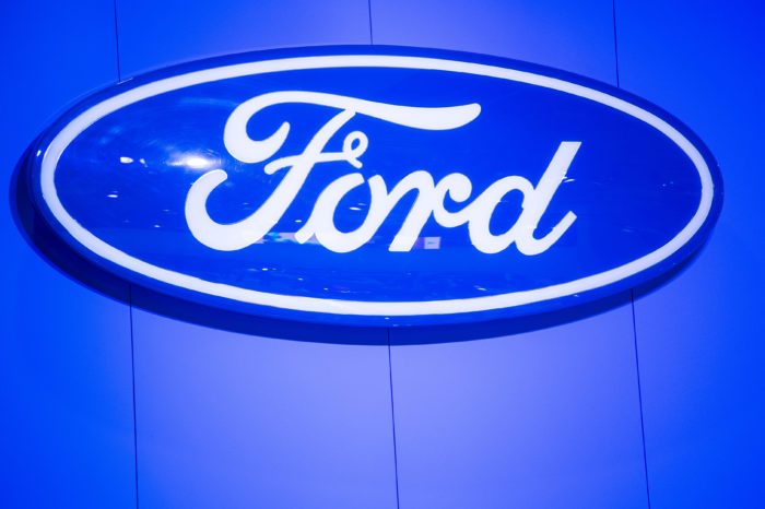 Moody's considers Ford 'junk'