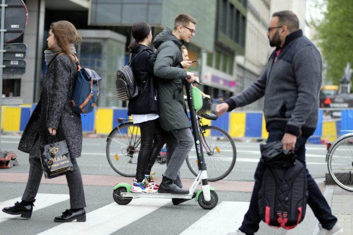 Orthopedists raise alarm: 'explosion of e-scooter and bike accidents'