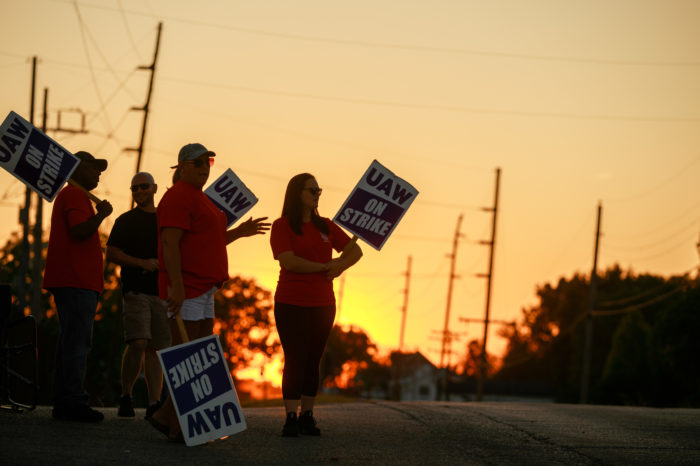 Workers strike costs GM 100 million per day