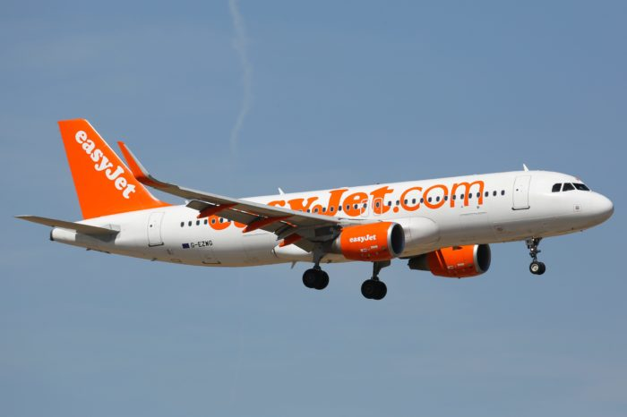 EasyJet to compensate for CO2 emissions