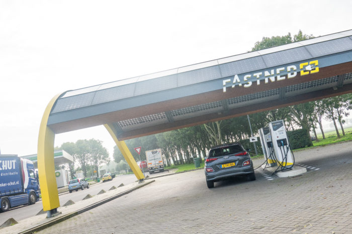 Fastned finally to build 13 fast-chargers in Belgium