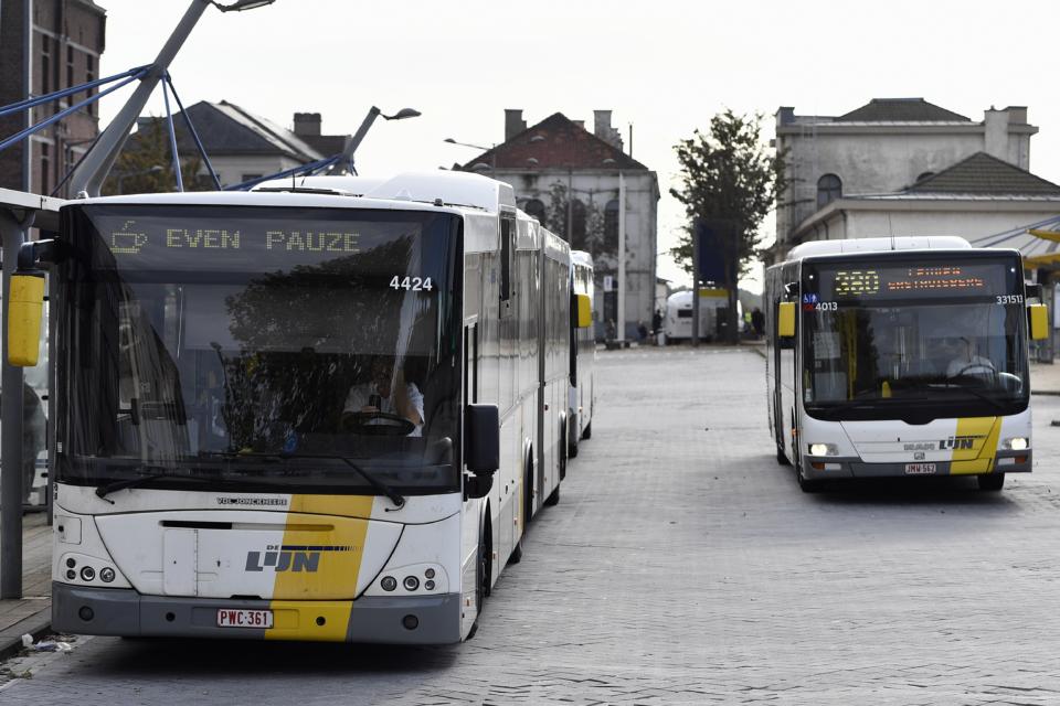 De Lijn places record order with bus builder VDL