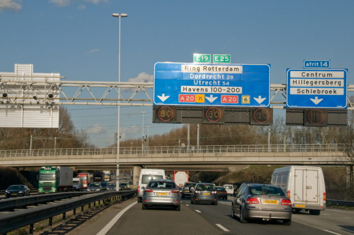 Dutch use Flitsmeister app to bypass 100 kph speed limit