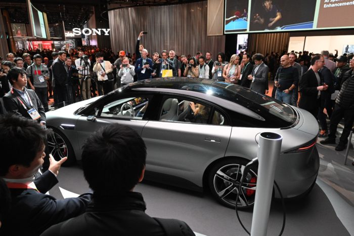 'The car is not dead, the traditional car industry on the contrary...'