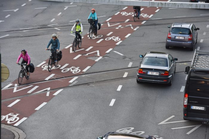 'More Belgians than Dutch commute by leased bike'