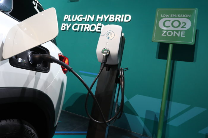 Swiss UBS bank predicts price war on plug-in hybrids