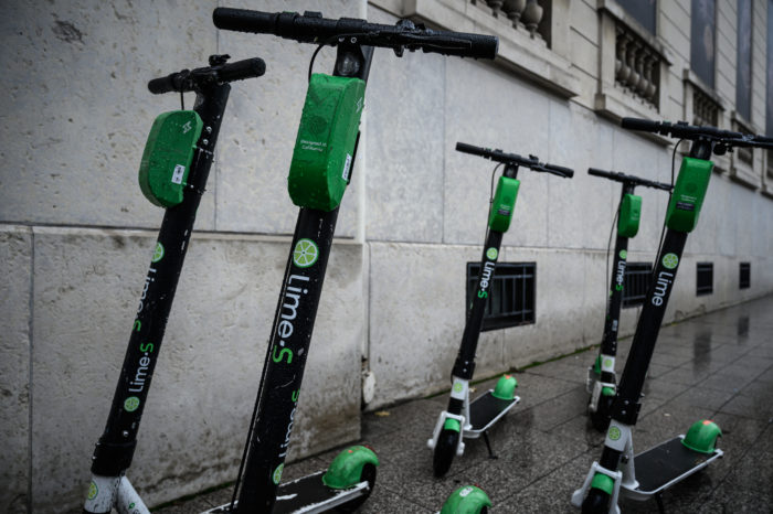 Corona: Lime pulls back e-scooters