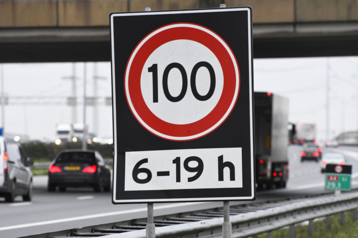 'Half of Dutch daily drivers will ignore 100 kph speed limit'