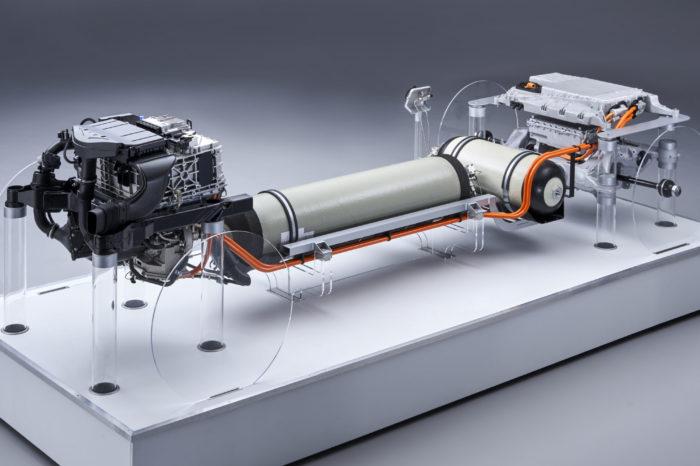 BMW shows powertrain of its hydrogen car