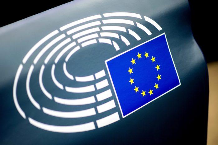 EU emission rules divide European car industry