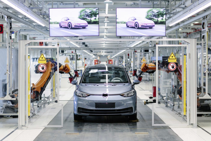 Does German car industry really need governmental aid?