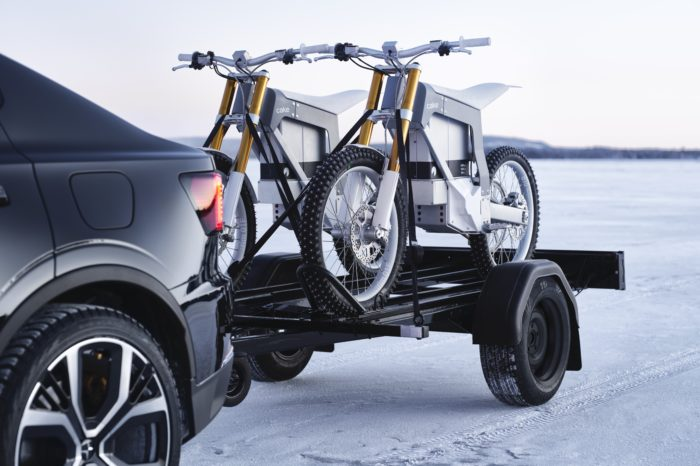Cake motorcycles to share showrooms with Polestar