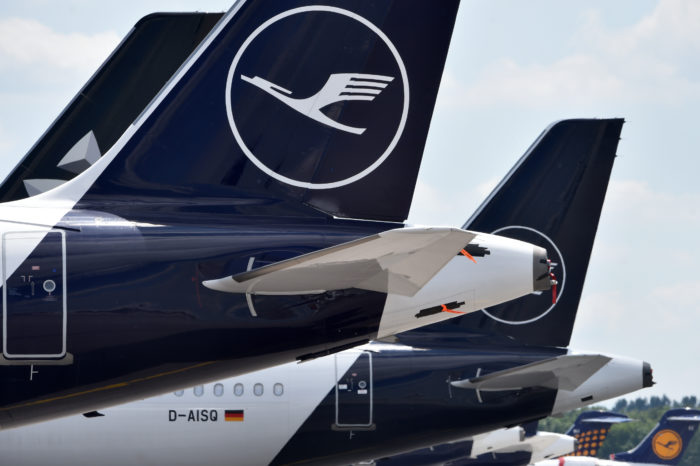 Lufthansa to give up 24 slots to pacify EU Commission