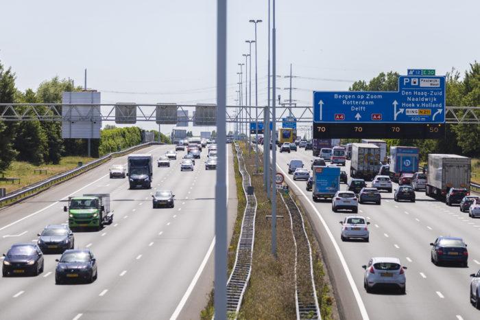 Dutch drive more kilometers, but where are traffic jams?